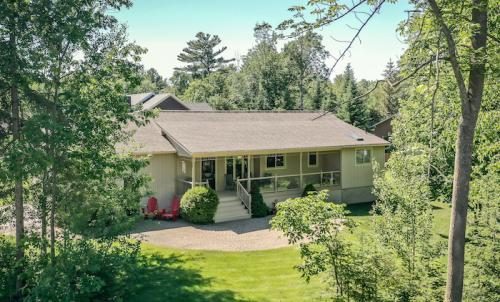 37 Birchwood Trail, Wasaga Beach (SOLD)