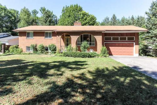 60 42nd Street S., Wasaga Beach (SOLD)